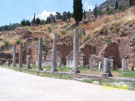 Temple of Apollo, b. 4th century BC (Delphi)