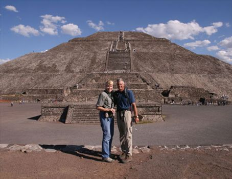 A photo of us, Pirimide del Sol, Teotithuacan