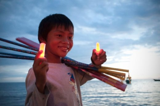 I met this boy in the beach side town of Sihanoukville. He was selling fireworks and spoke very good english. We chatted for a while and he giggled a lot. I will never forget his smile.