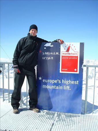 Sitten ollaan jo melkein 4000 metrissä. Kleine matterhorn.