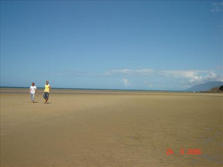 Cairnsin pohjoispuolella on kauniita rantoja