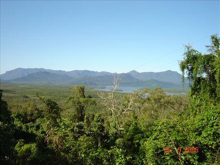 Maisemia Cairnsin ja Townsvillen valilla