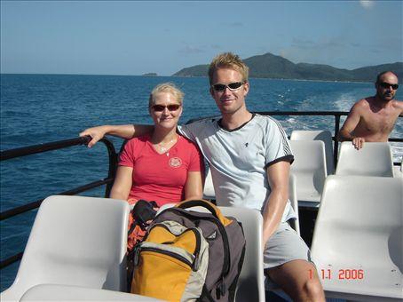 Takaisin Cairnsiin, takana nakyy Fitzroy Island.