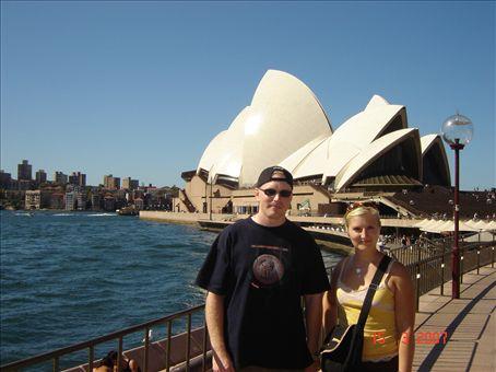 Pakollinen turistikuva, Perttu ja Suvi