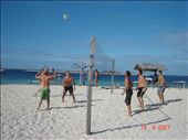 Peraman oma saari, pojat pelailee lentopalloa.: by crazyfinns, Views[481]