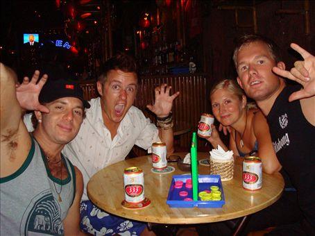 Kaytiin parilla Saigonissa, Heikki, Suvi, Michael ja Spartago, Vietnam