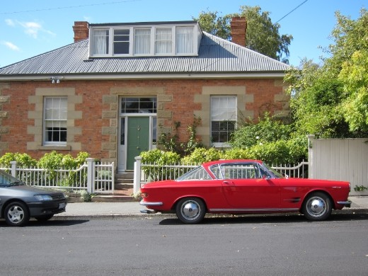 Something cool about this house with it's stern no-verandah policy.  Was clearly built by the Colonials before anyone had realised that the weather down under was a tad more sunny than 'back home'. Battery Point, Hobart.