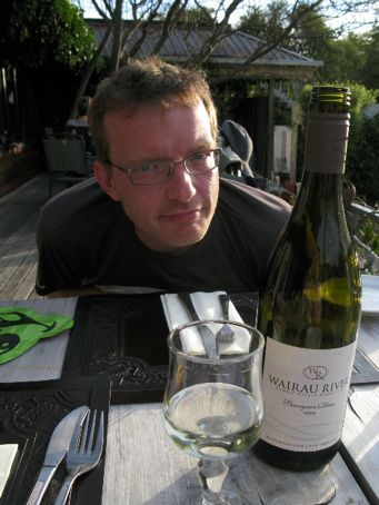 needless to say, a LOT of fine kiwi sav-blanc and pinot noir was drunk on the trip