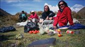 Don Alberto, Cesar, Sven, Heather, lunchtime in the Cordillera Real.: by csvenj, Views[115]