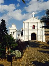 San Pedro Catholic Church. One of the few pristine buildings! : by cubannomad, Views[131]