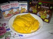 The 4 ingredients to this recipe: mangoes, cream, condensed milk and grahams.: by culinary_adventure, Views[124]