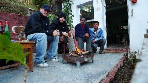 kims guesthaus - zweiter von rechts ist kim