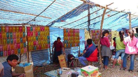 Ballonschiessen - Traditionsspiel in Laos