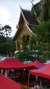 Luang Prabang / evening market with temple in the back: by daan, Views[262]