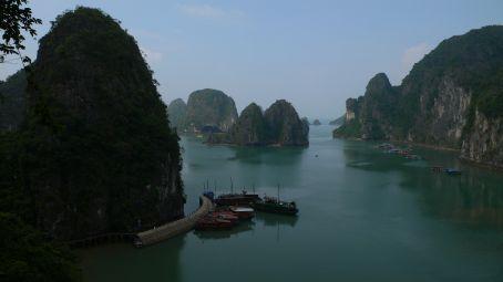 Een view van de legendarische Halong Bay