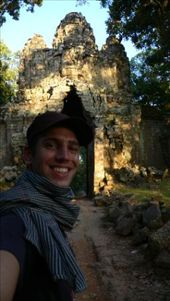 Gate to Angkor Thom, the city of Angkor where about one million people lived, when London was left to 50.000 inhabitants.: by daan, Views[182]