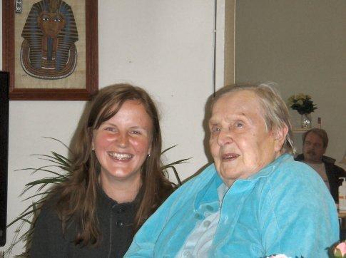 Stef & her grandma, in Puumela
