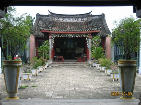 Temple, Hue