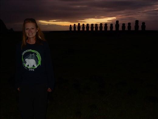 More sunrise at the Moai.