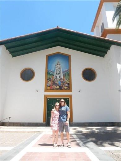 Before we left for more wine tasting we stopped off at the towns oldest church to give thanks to the virgin Mary for taking such good care of the grapes.