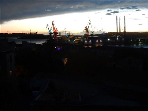 Pula harbor light up.