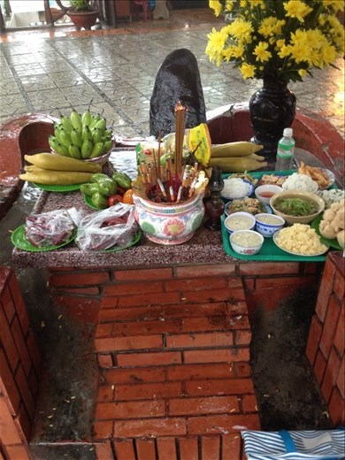 Some offerings to Buddha.