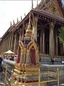 Temple of Emerald Buddha considered the palladium of the Kingdom of Thailand was wearing his winter attire. : by danidawnandstevo, Views[102]