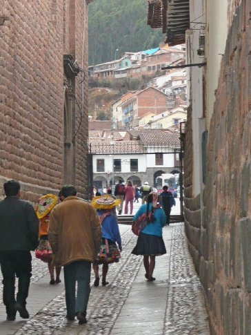 Another sneaky pic of traditional women on Loreto (oldest Inca walls in Cusco)