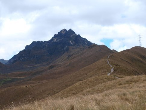 Quito - trail to the summit of Rucu Pichincha (4680m)
