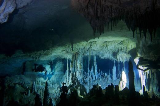 Cenote Chi-Keen (photo taken from facebook fan site)