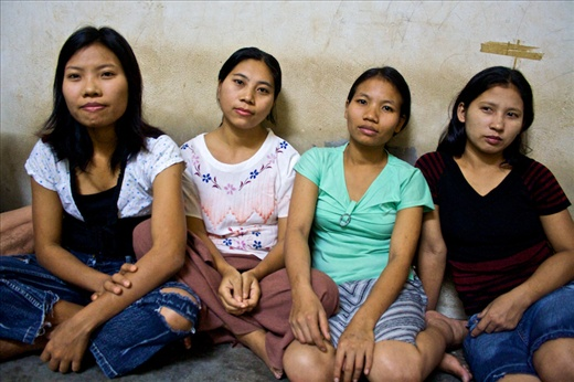 Once in neighboorhing country, many burmese are exploited, helpless, dreamfull