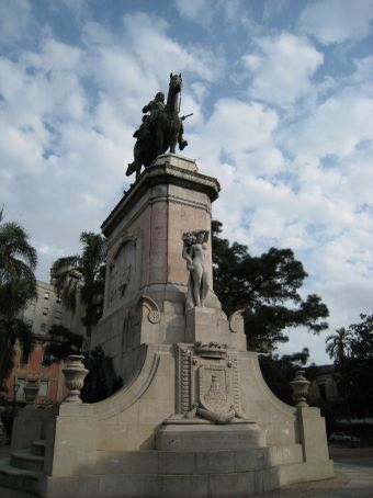 Montevideo, another town another statue of a revolutionary.