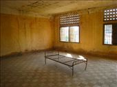 S21 prison, torture cell. Its been left just as the Vietnamese soldiers found it as a gencocide museum.: by dave_sarah, Views[217]