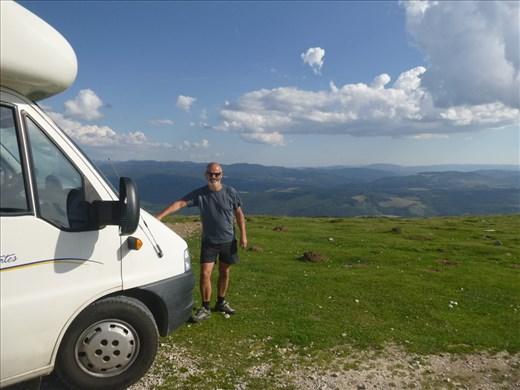 a 1600 metre high pass, contemplating a stopover??