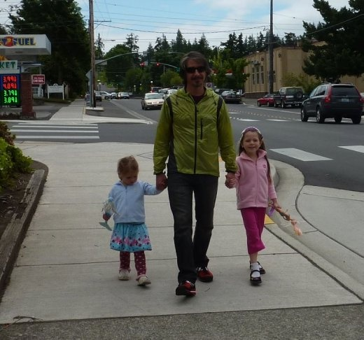 Jeremy with the girls in Bellingham