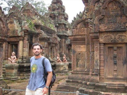 Banteay Srei es considerado la joya de la corona de Angkor.Pequeño, delicado... precioso!!!