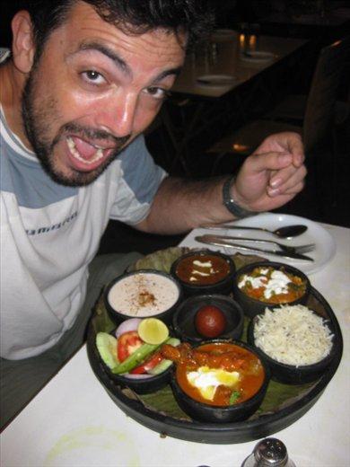 Cena espectacularThali (menu) Rajasthaní...