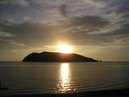 Our last sunset down the islands (Taken on Koh Phangnan)