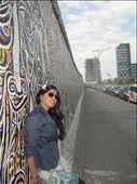 Along the Berlin wall: by div, Views[121]