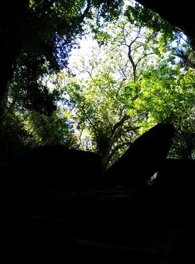 Abbey-Caves, Ausgang