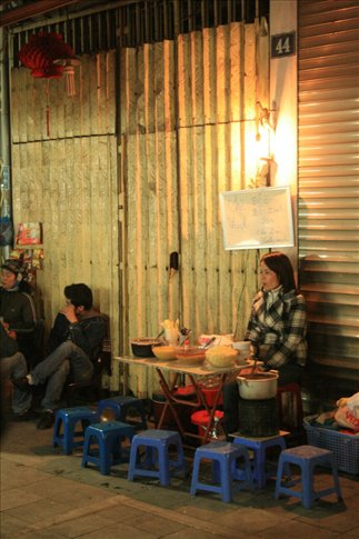 Common eateries along the streets.