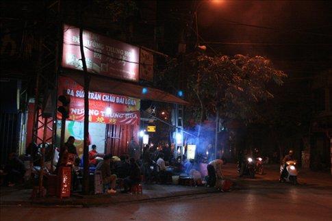 A late night eatery along Hang Bong Street.