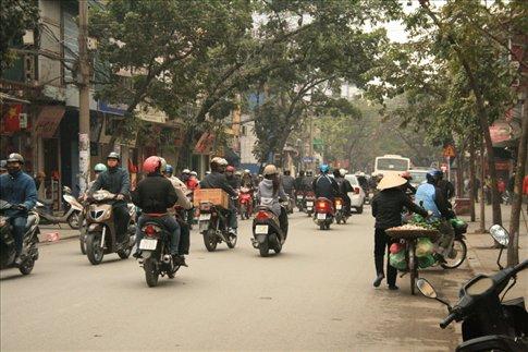 Speeding motor vehicles along Hang Bong Street.