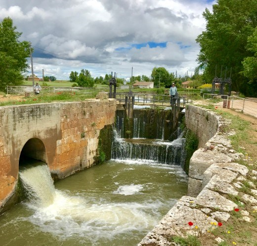 irrigation dam canal de castilla