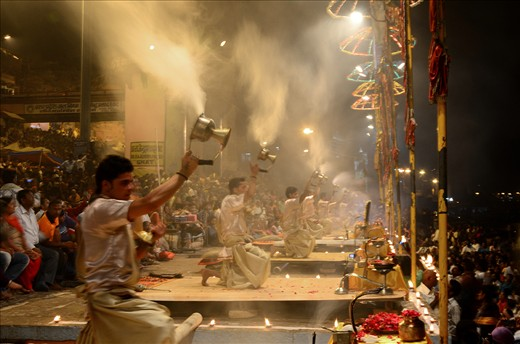 THE MOST POPULAR AND SPECTACULAR EVENT IN VARANASI GHAT.