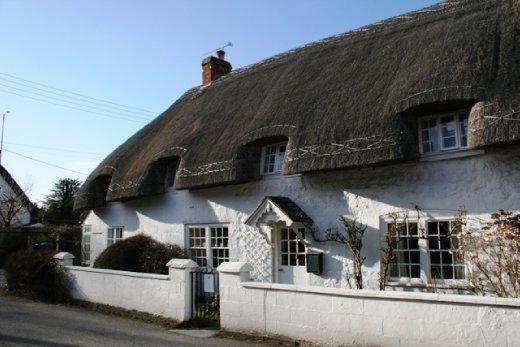 Picturesque thatch cottage - even better that it's a pub!