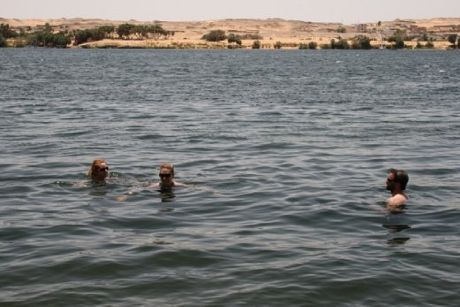 Swimming in the NIle - surprisingly cold!