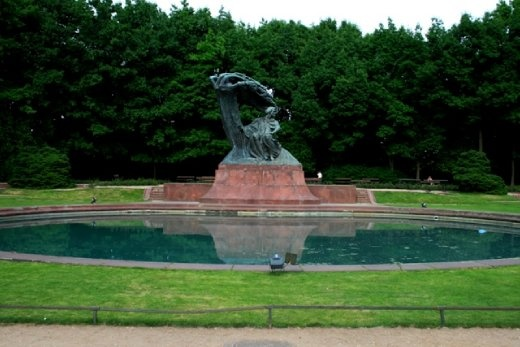 Chopin Statue in the Baths Park, or Royal Baths (Park Łazienkowski) - the largest park in Warsa
