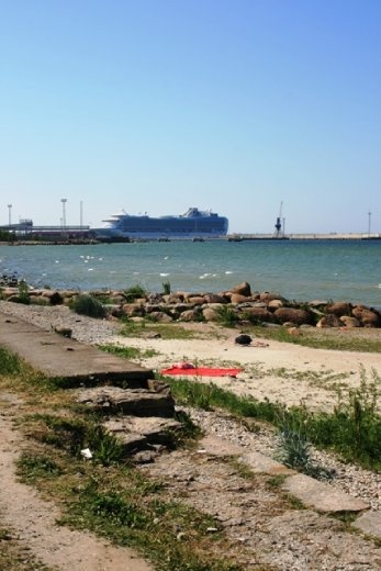 You can see where the ferries from Scandanavia dock.