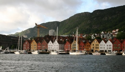 The wooden houses seen from the water